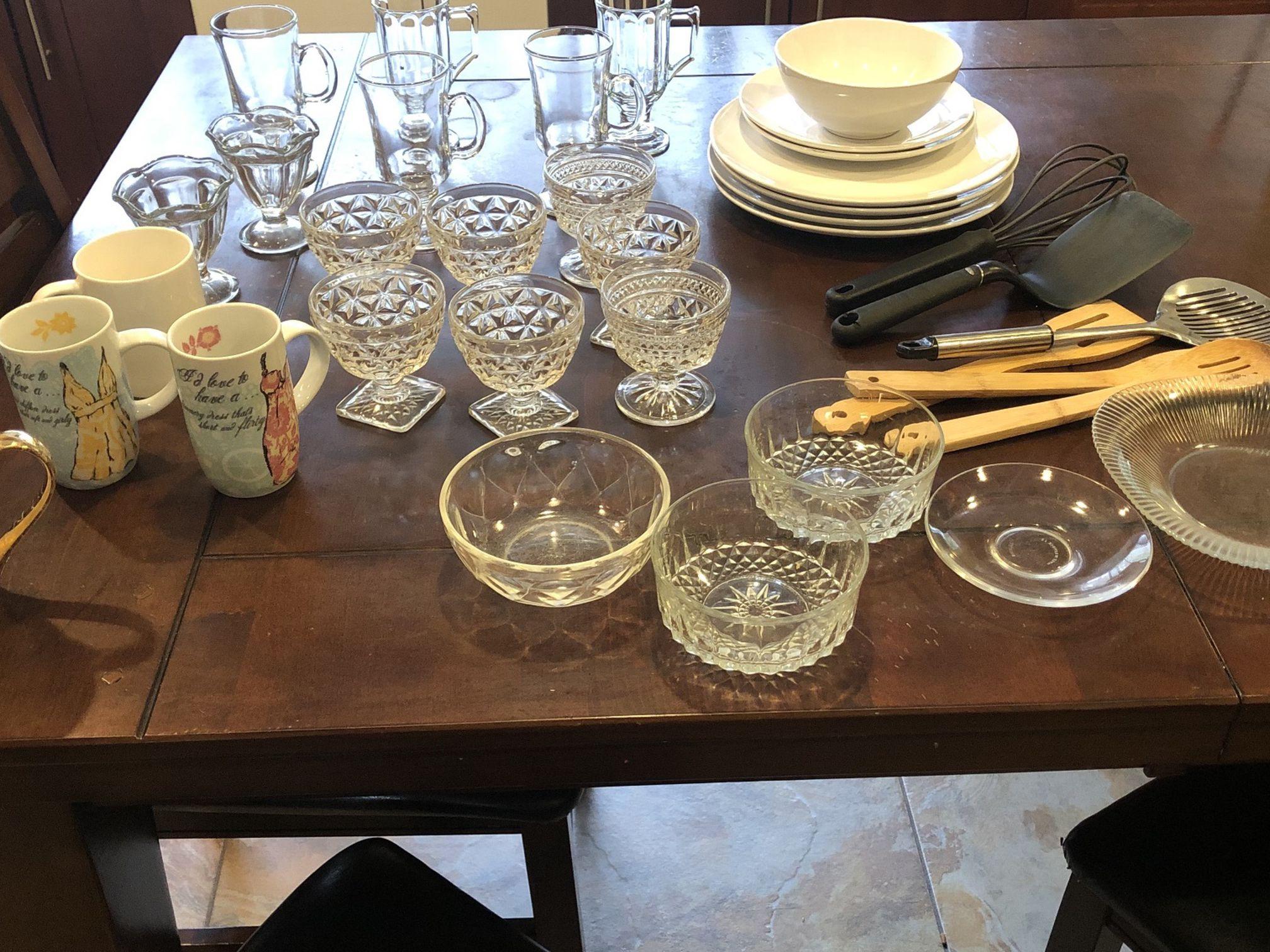 Glasses, Dinnerware