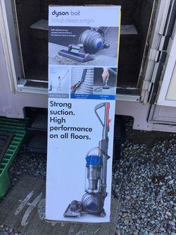 Vacuum - dyson Thumbnail