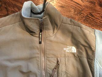 Woman's North Face Fleece Jacket Thumbnail