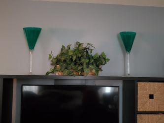 Set of 2 beautiful hand blown Italian glass vases Thumbnail