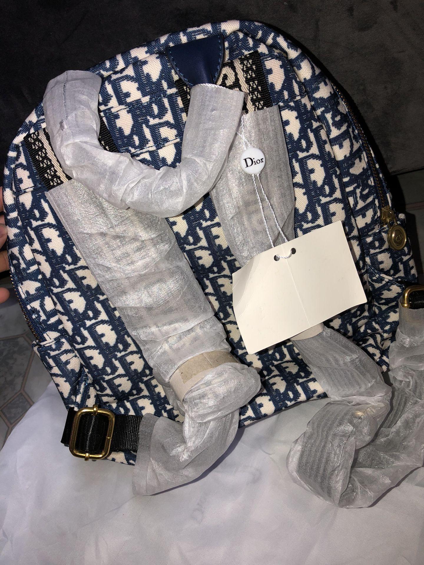 Women's Medium Size Backpack
