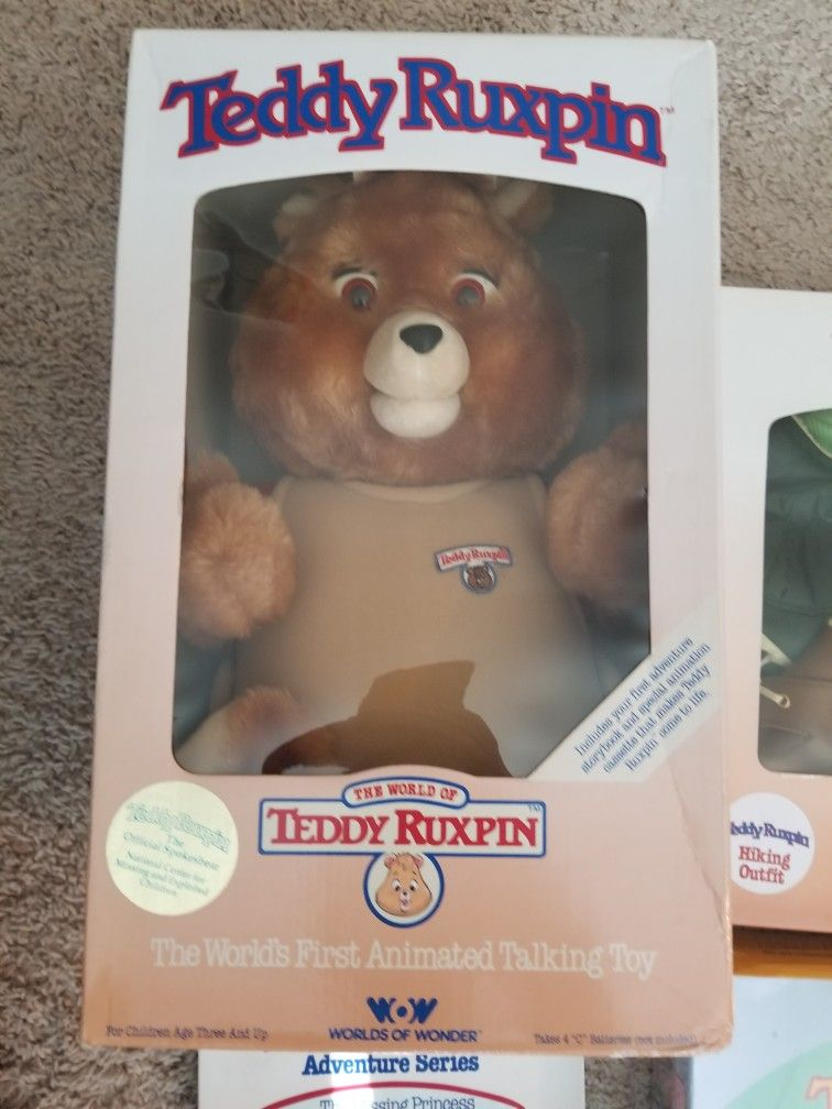 1985 Teddy Ruxpin Mint In Box With Extras.