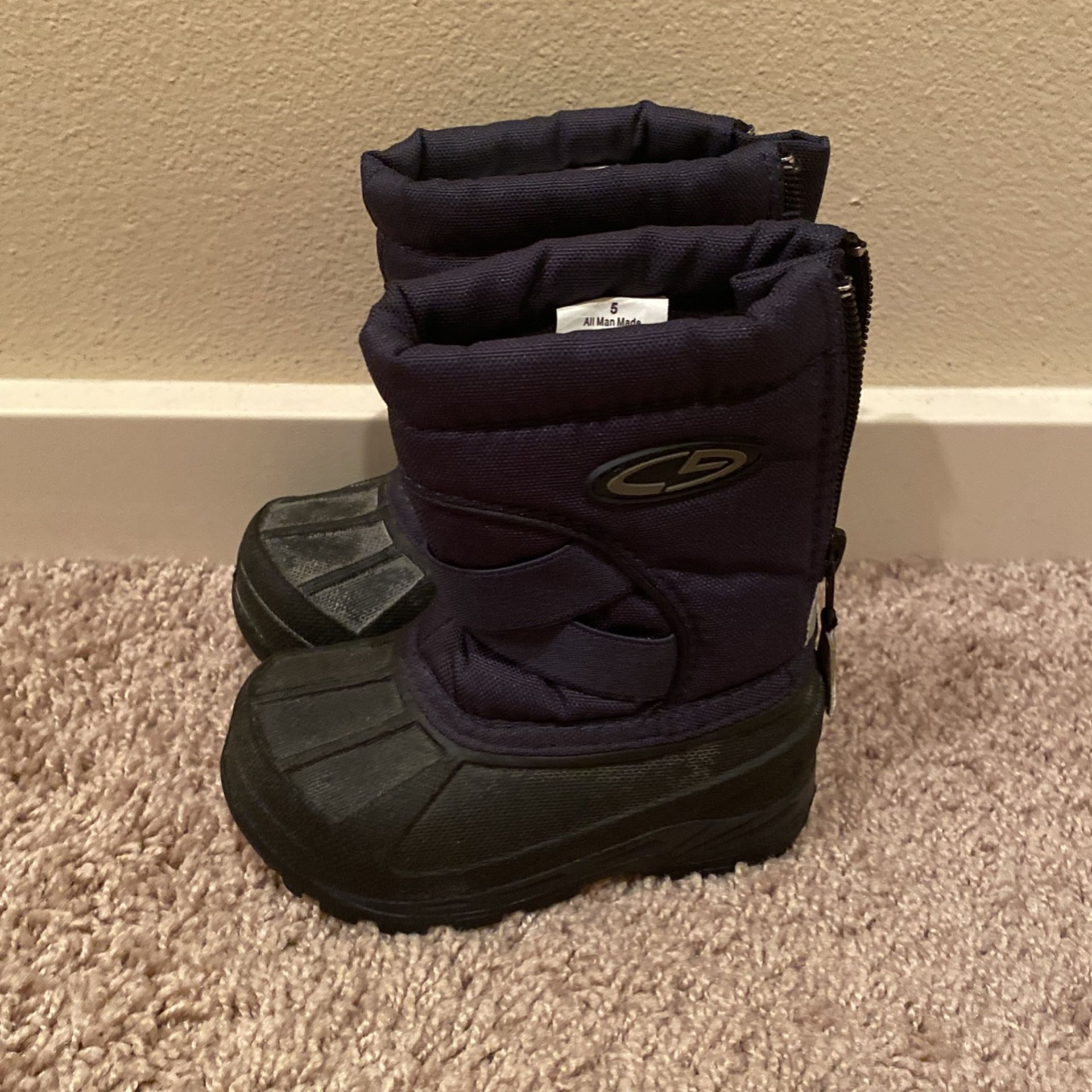 Toddler Snow Boots - Size 5 - $10