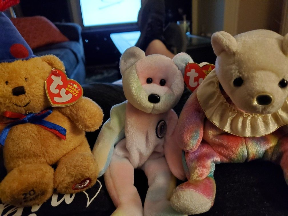 Bday month bears