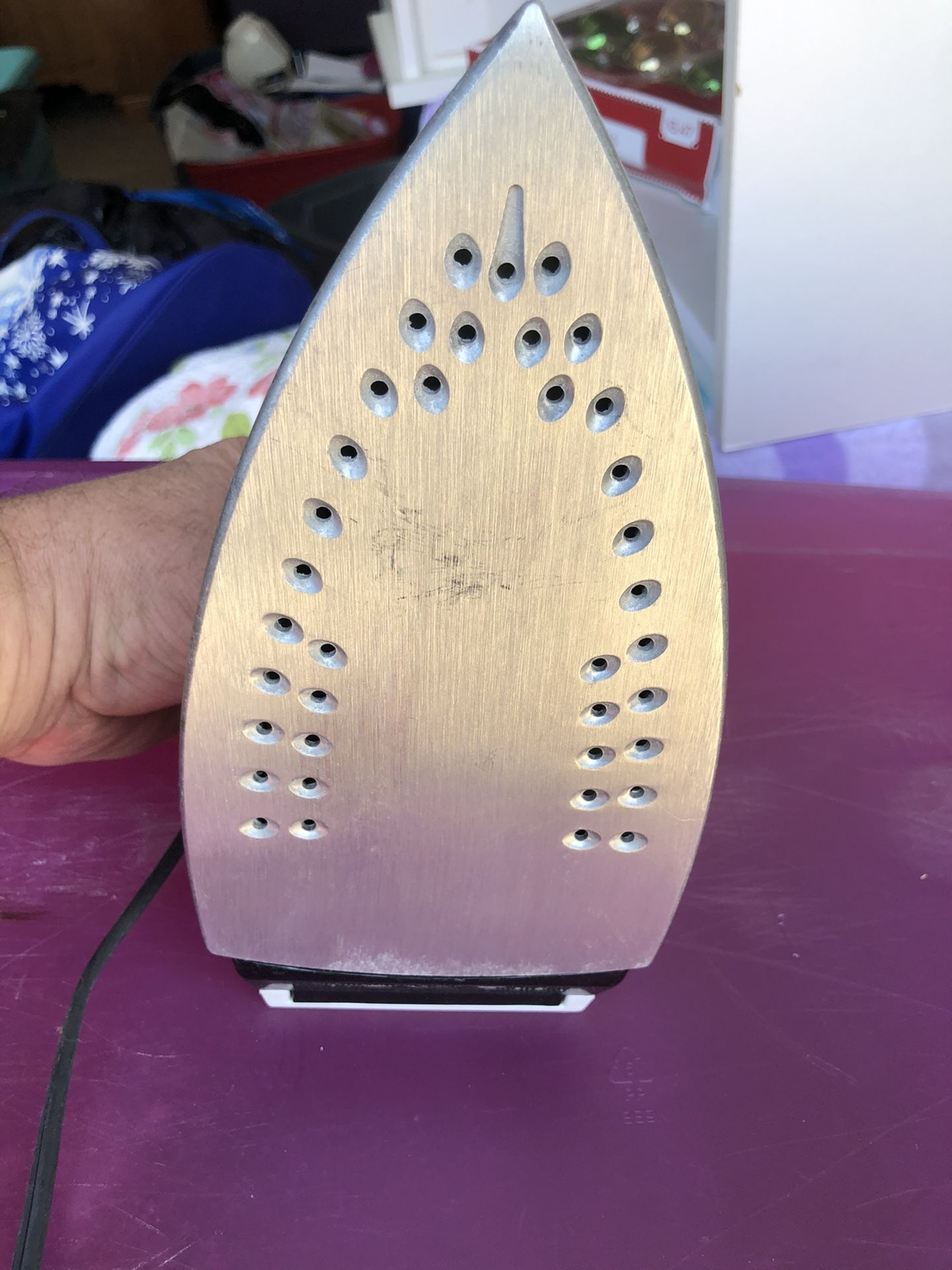 Ultra Ease Proctor Silex Electric Steam Iron, model 17109