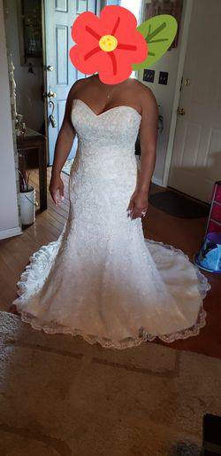 Ivory Mermaid Wedding Dress Thumbnail