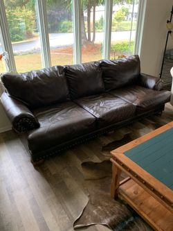 Couch And Love Seat Set Thumbnail