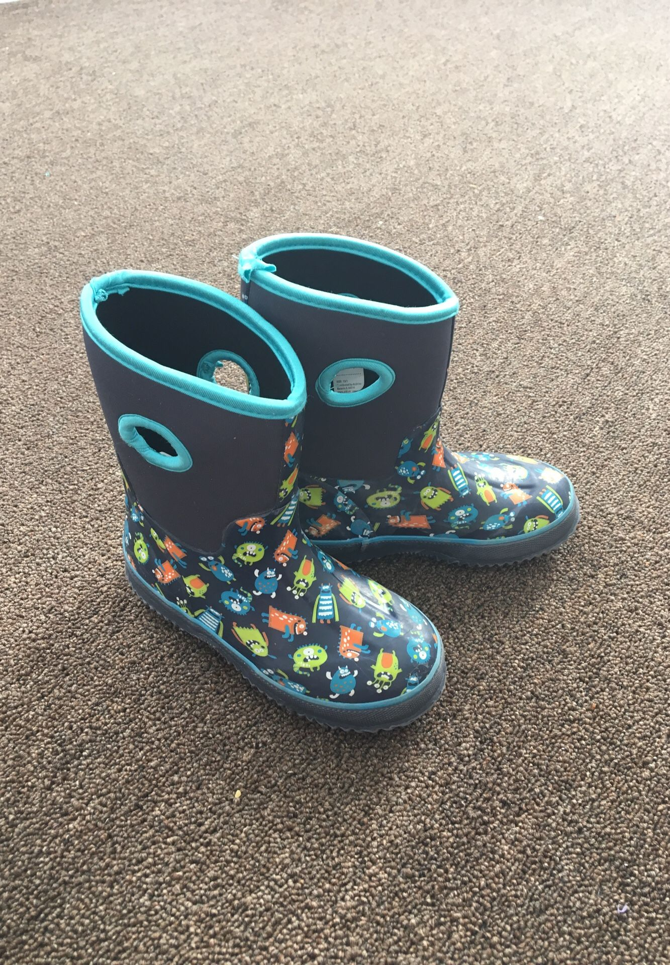 Rain boots size 13 kids