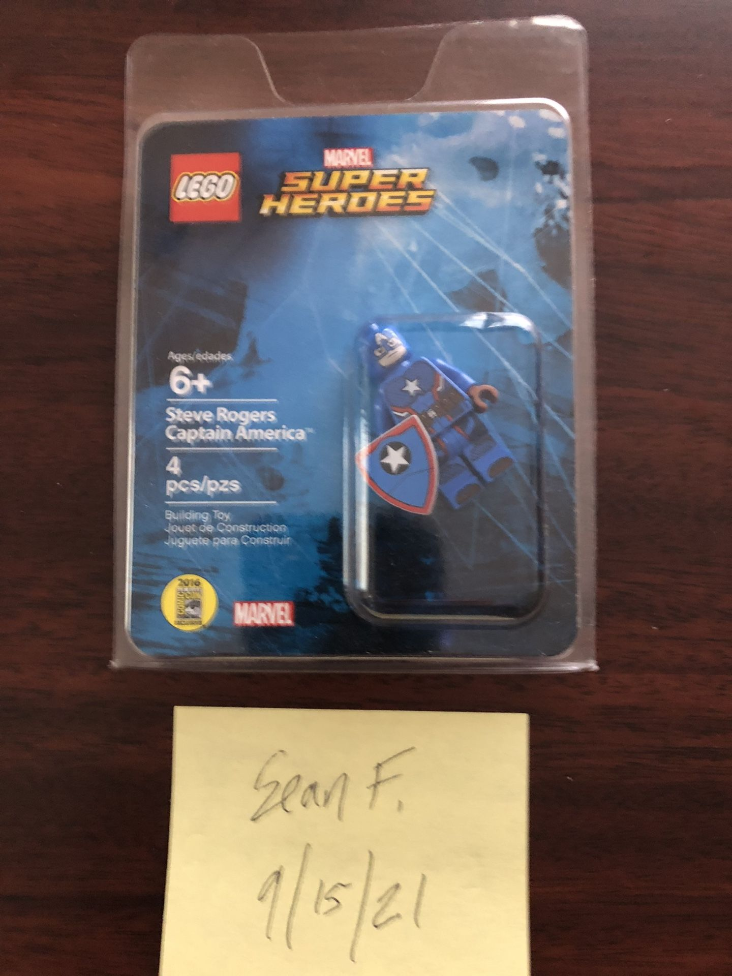 Lego SDCC Steve Rodgers/ Captain America  minifigure