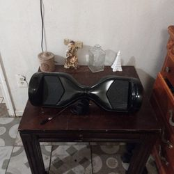 A Hover One Hoverboard In Excellent Condition With Charger Thumbnail