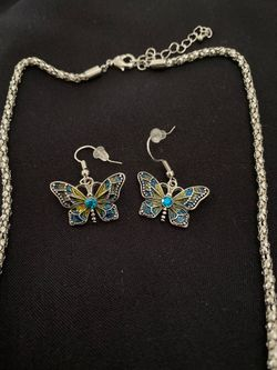 Butterfly necklace and earrings Thumbnail