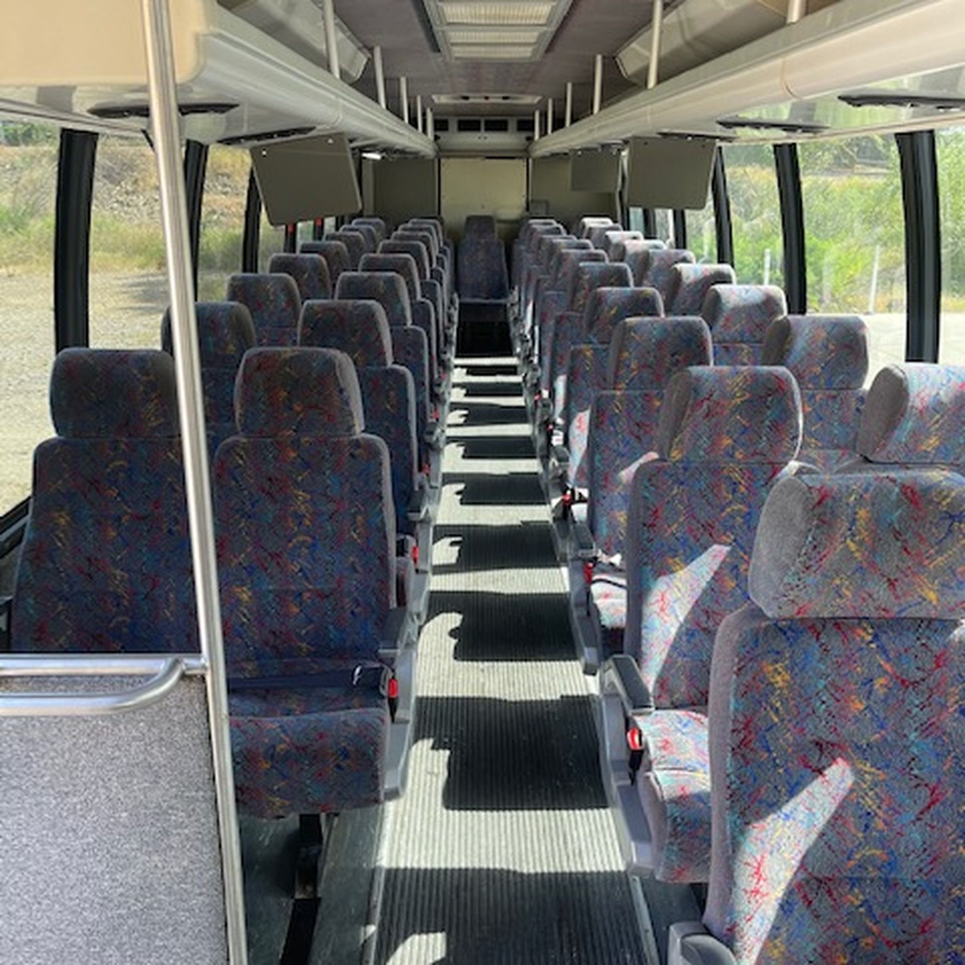 2007 INTERNATIONAL 3200 DT466 Diesel Bus 41 Passengers