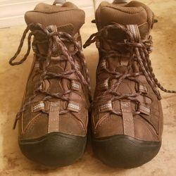 Keen womens hiking boots Thumbnail