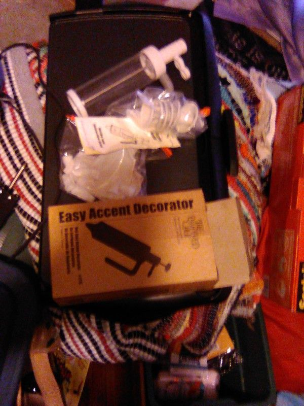 Pampered Chef Easy Accent Decorator