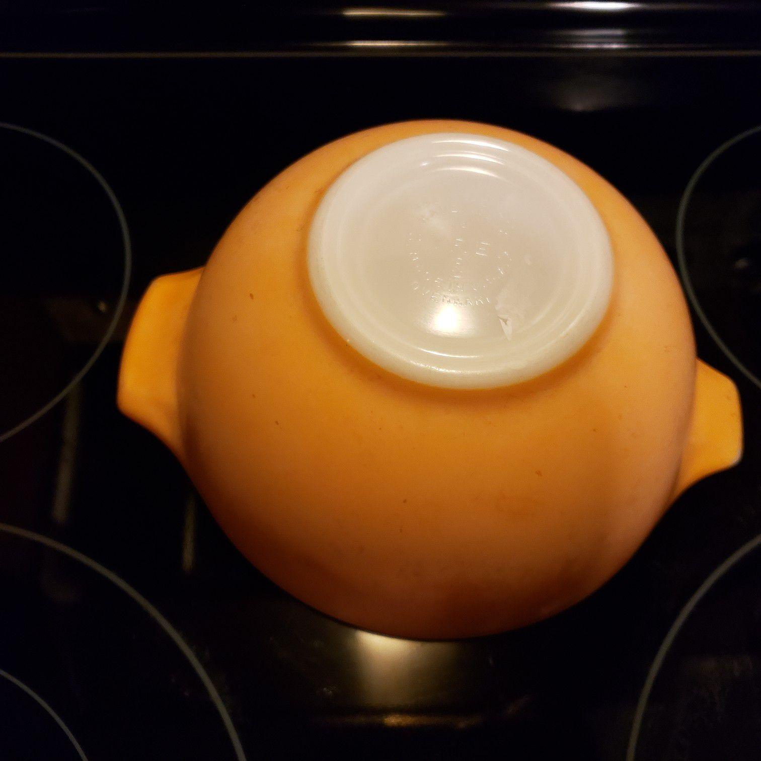 Pyrex small orange bowl..
