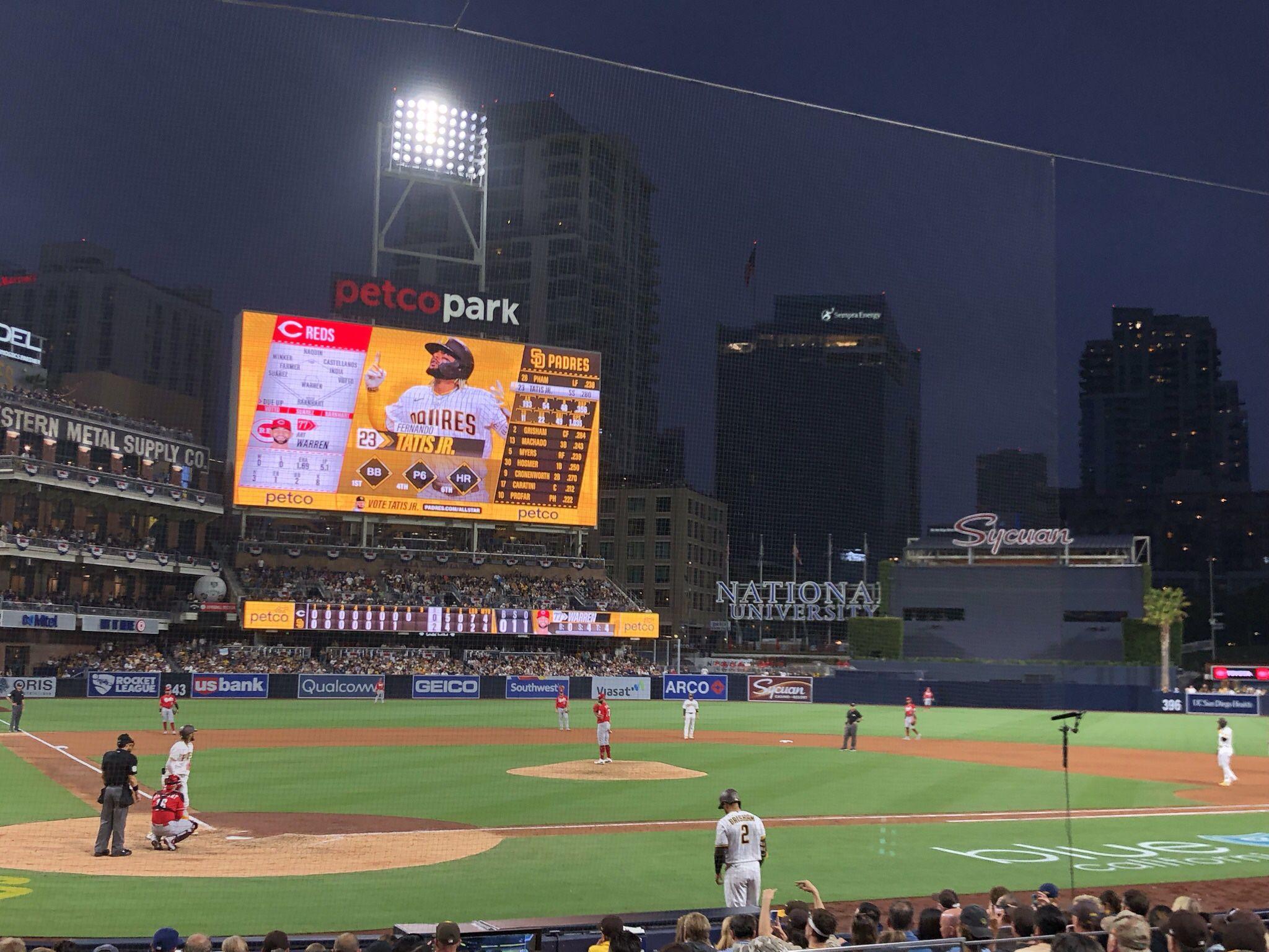 Padres Field Box VIP 103, Tickets vs Giants, Braves