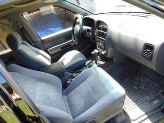 1997 Nissan Pathfinder Thumbnail