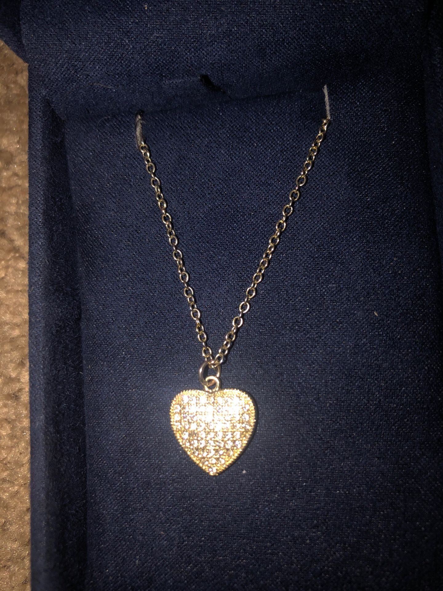 Heart shaped necklace in rose gold. It's stunning!