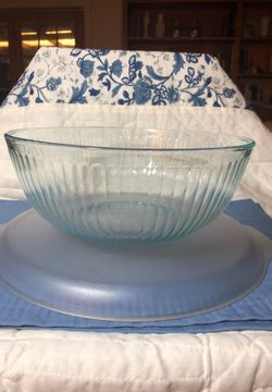 Pyrex 4.5 qt turquoise tinted mixing bowl Thumbnail