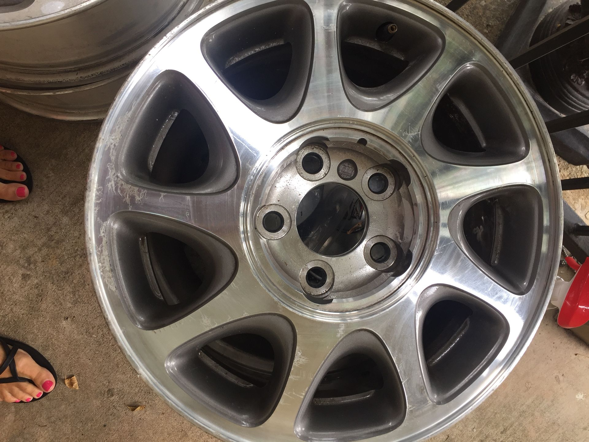 All 4 Buick Regal 1997-2004 Used OEM Wheel 16x6.5 factory rims and wheel cover caps
