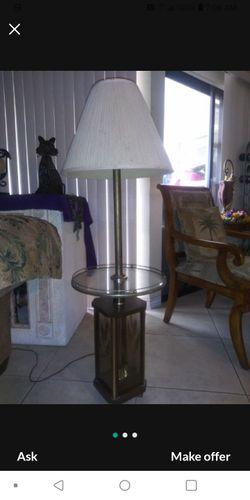 VINTAGE CANDALABRA LAMP Thumbnail