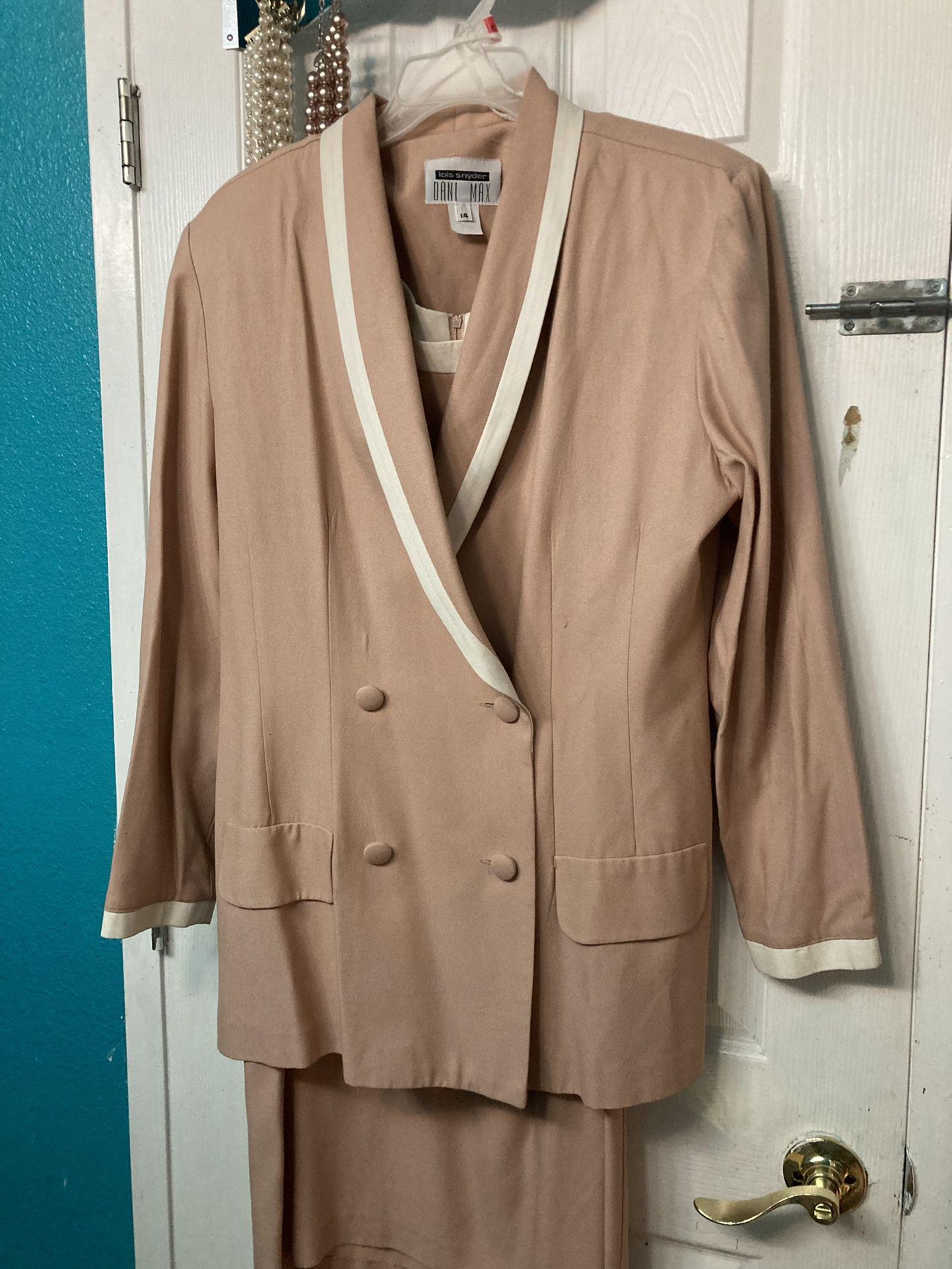 Lois Snyder Dani max Pink Dress Suit