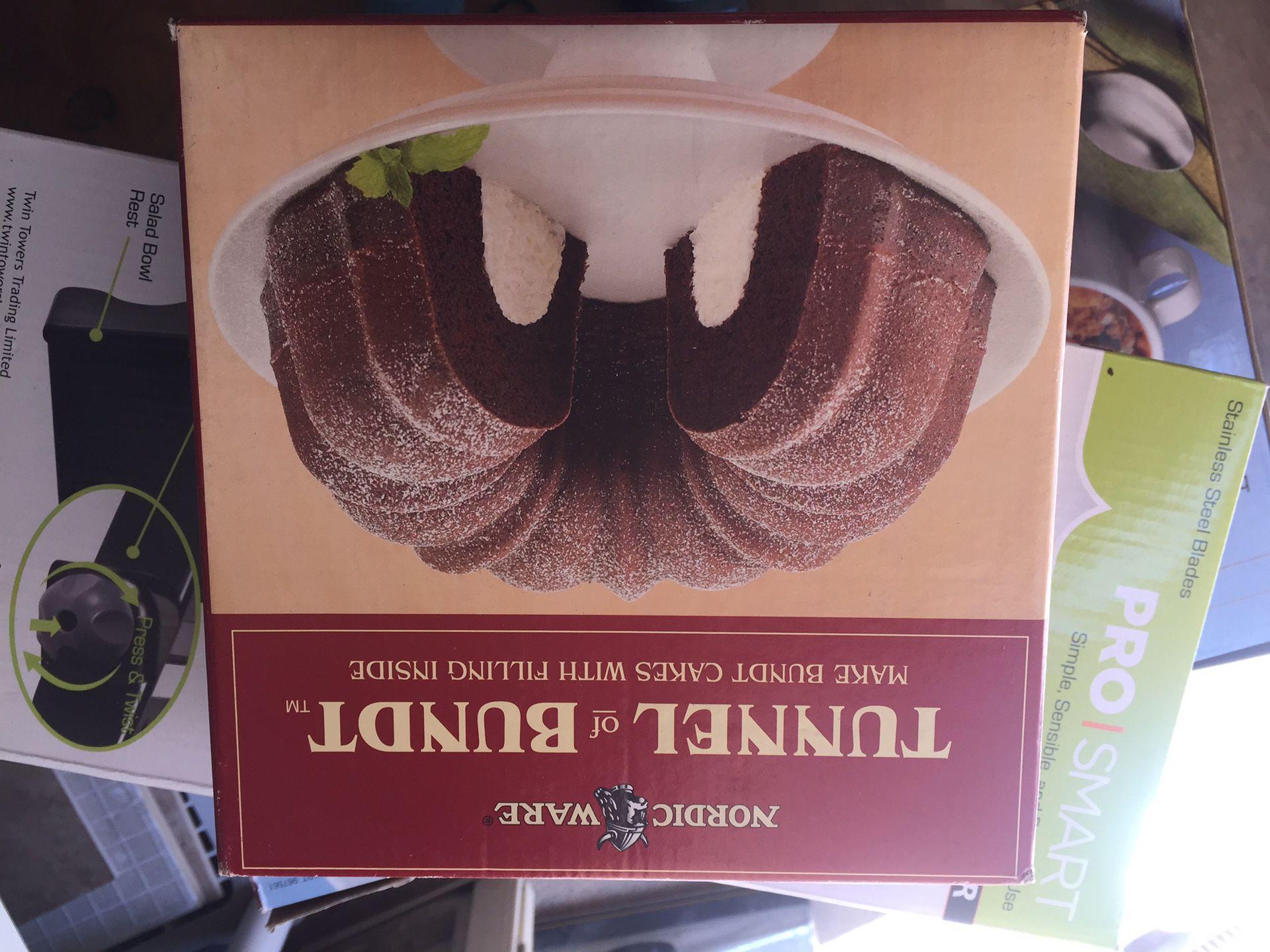 Brand new in box Nordic Ware tunnel bundt pan