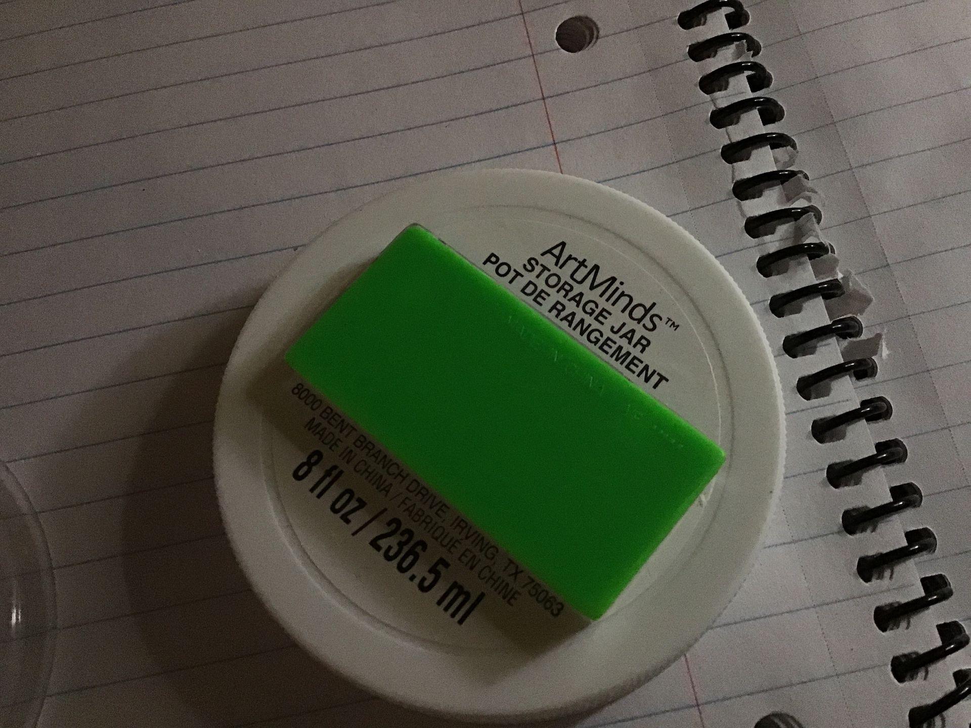 8oz container