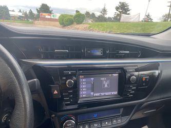 2016 Toyota Corolla Thumbnail