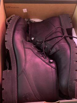 Timberland boots 🥾10.5 Thumbnail