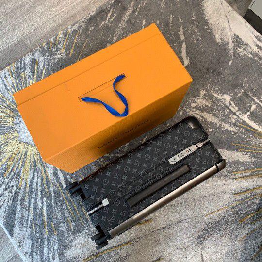 Louis Vuitton Horizon 50 55 Black Monogram Eclipse Canvas Rolling Luggage Travel Lock Code Bag Duffle M23002 M23209