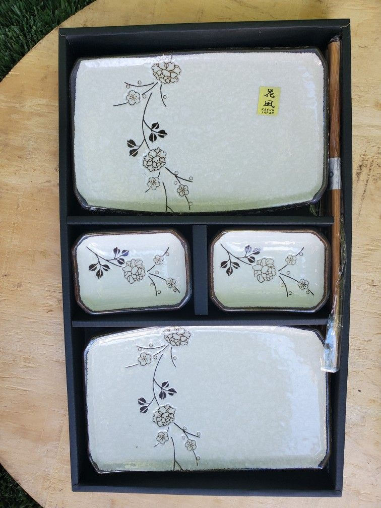 Sushi Plates, New In Box, Comes With 2 Sets Of Chopsticks