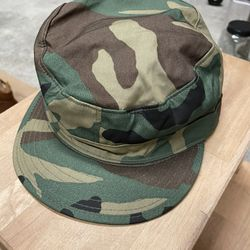 Vintage Camo Army Hat With Ear Flaps. Size 7 3/8 Excellent Condition  Thumbnail