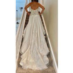 Beautiful Wedding Gown Thumbnail