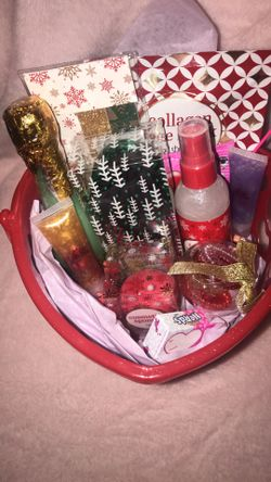 Valentine's Day Baskets 💛 Thumbnail
