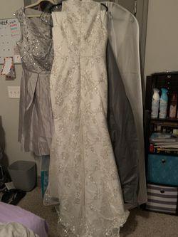 Wedding/Evening Dress With Detachable Train Thumbnail