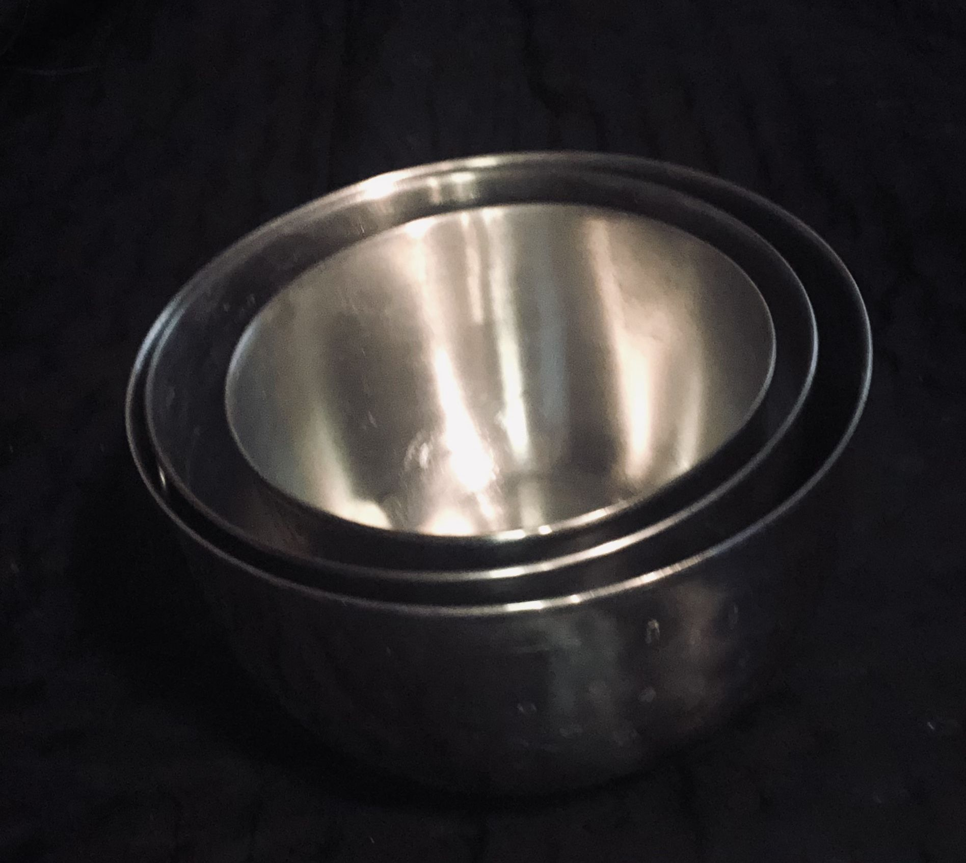 Set Of 3 Great Condition Stainless Steal Nesting Mixing Bowls.  1 Is  Farberware Double Thumb Ring #734. $20 Pickup/$23 Shipping