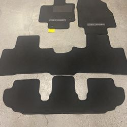 2021 Toyota Highlander Carpeted Floor Mats  Thumbnail