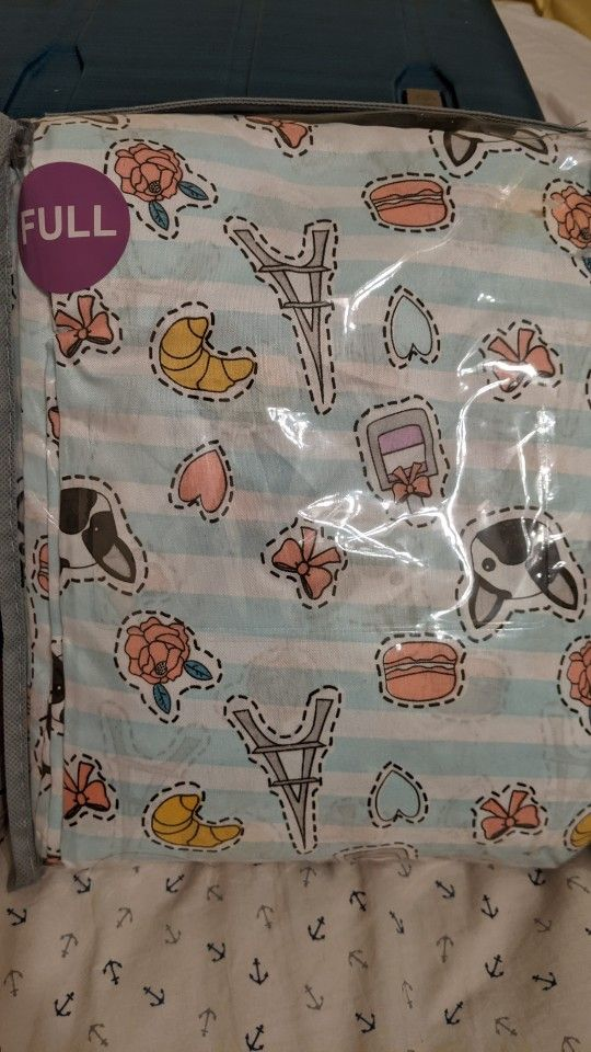 Two Full Sheet Sets (Flat Sheet, Fitted Sheet, Pillow Cases)