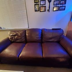 Leather COUCH Lightweight Has Scratchmarks One Side. You Haul. Thumbnail