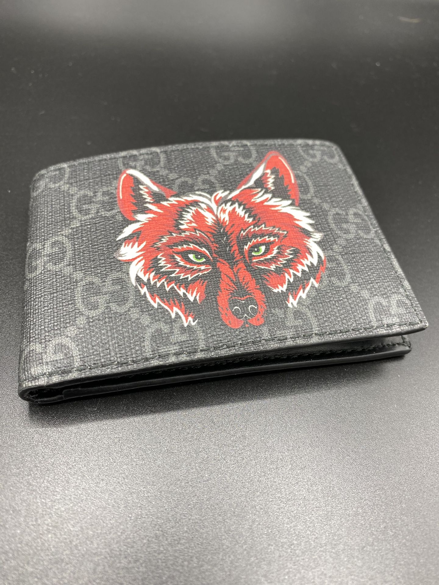 Gucci Wolf Print Wallet GG Supreme Authentic