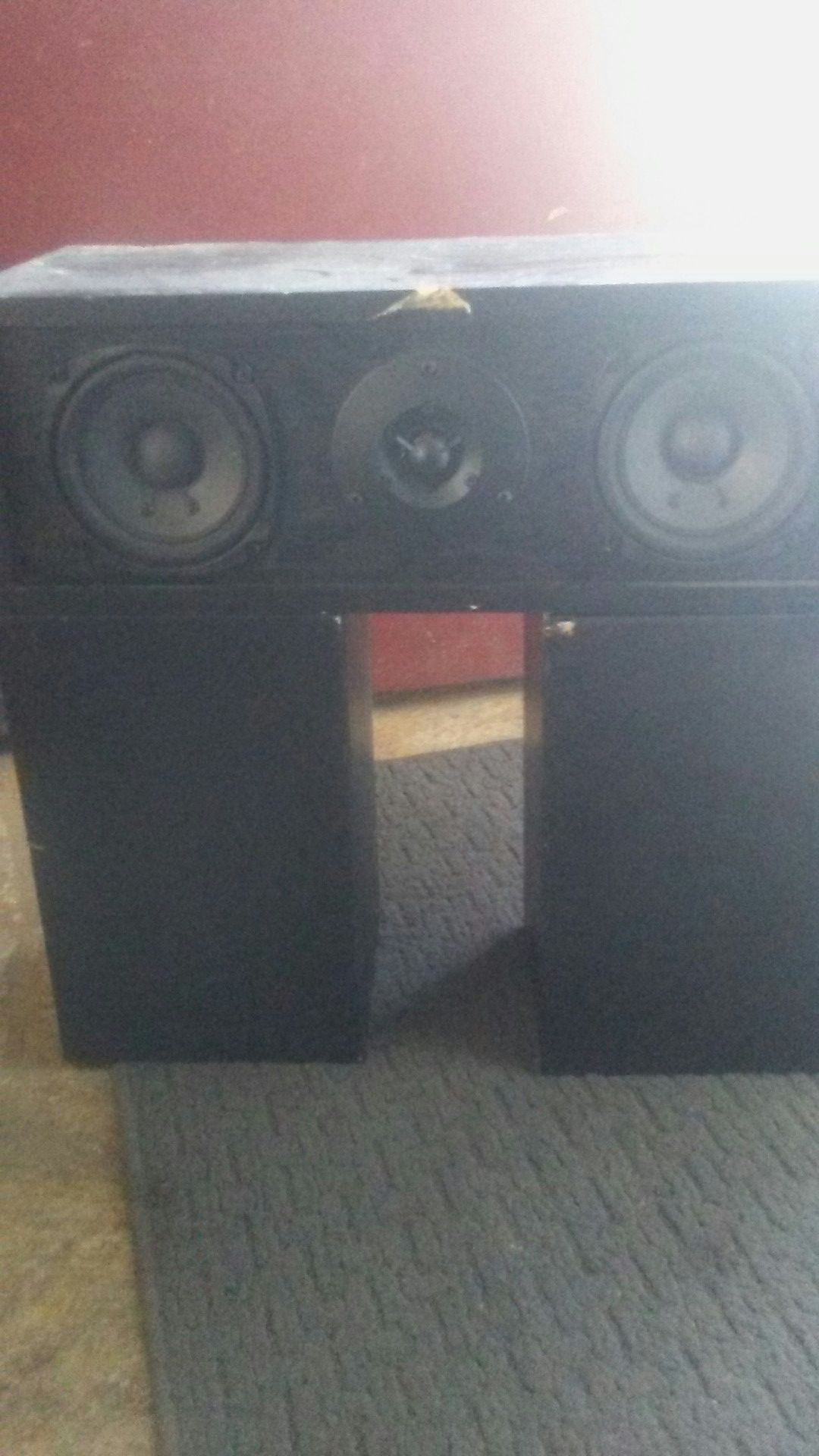 Onkyo surround speakers fusion aV s19 center and s09left and s19 right