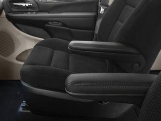 2016 Dodge Grand Caravan Thumbnail
