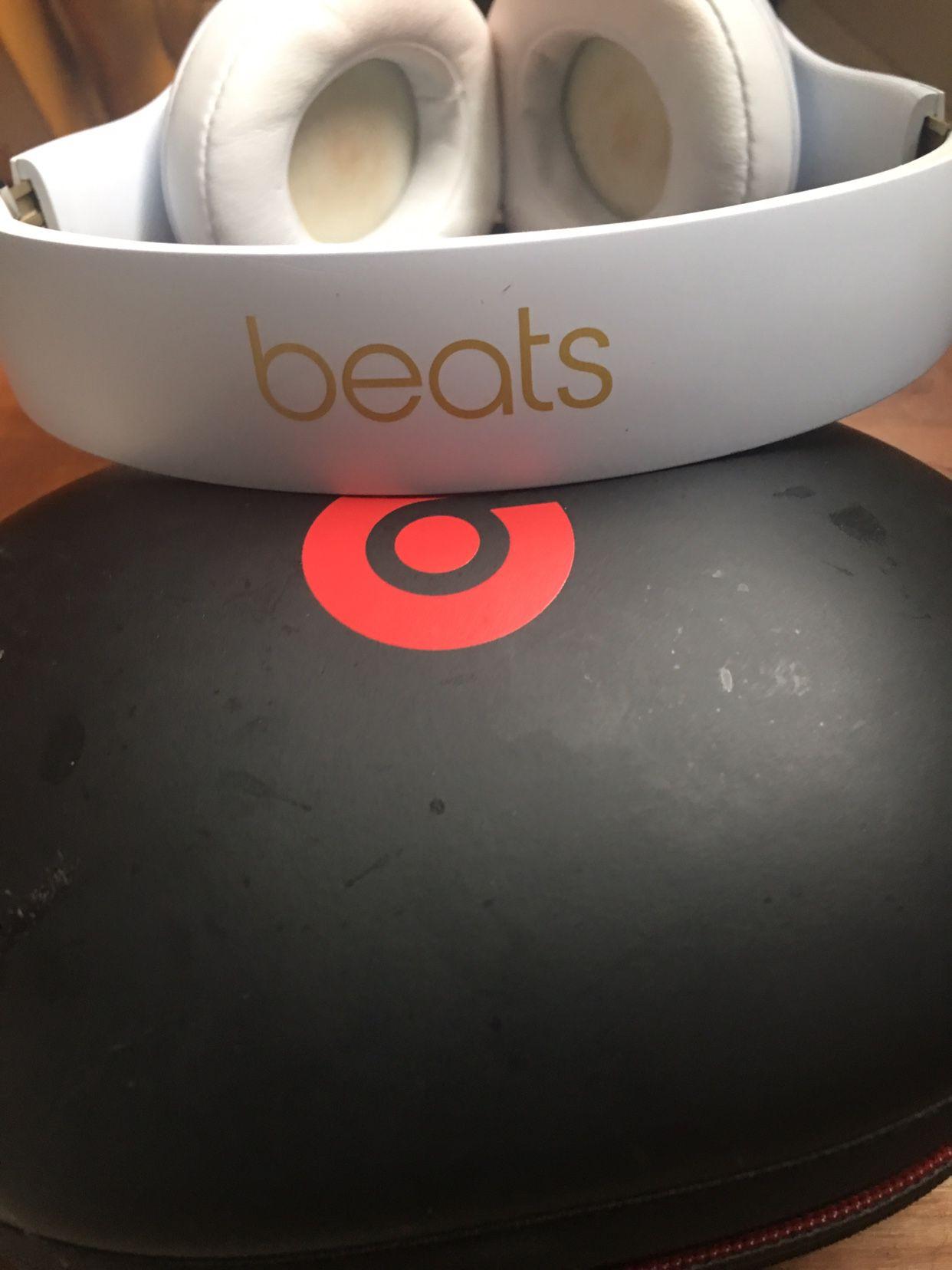 Beats Headphones (Bluetooth)