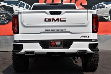 2021 GMC Sierra 1500 Thumbnail