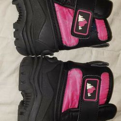 Toddler Girl Snow Boots Size 6M Thumbnail