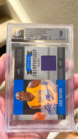 2010-2011 Timeless Treasures Kobe game worn jersey swatch autographed Thumbnail