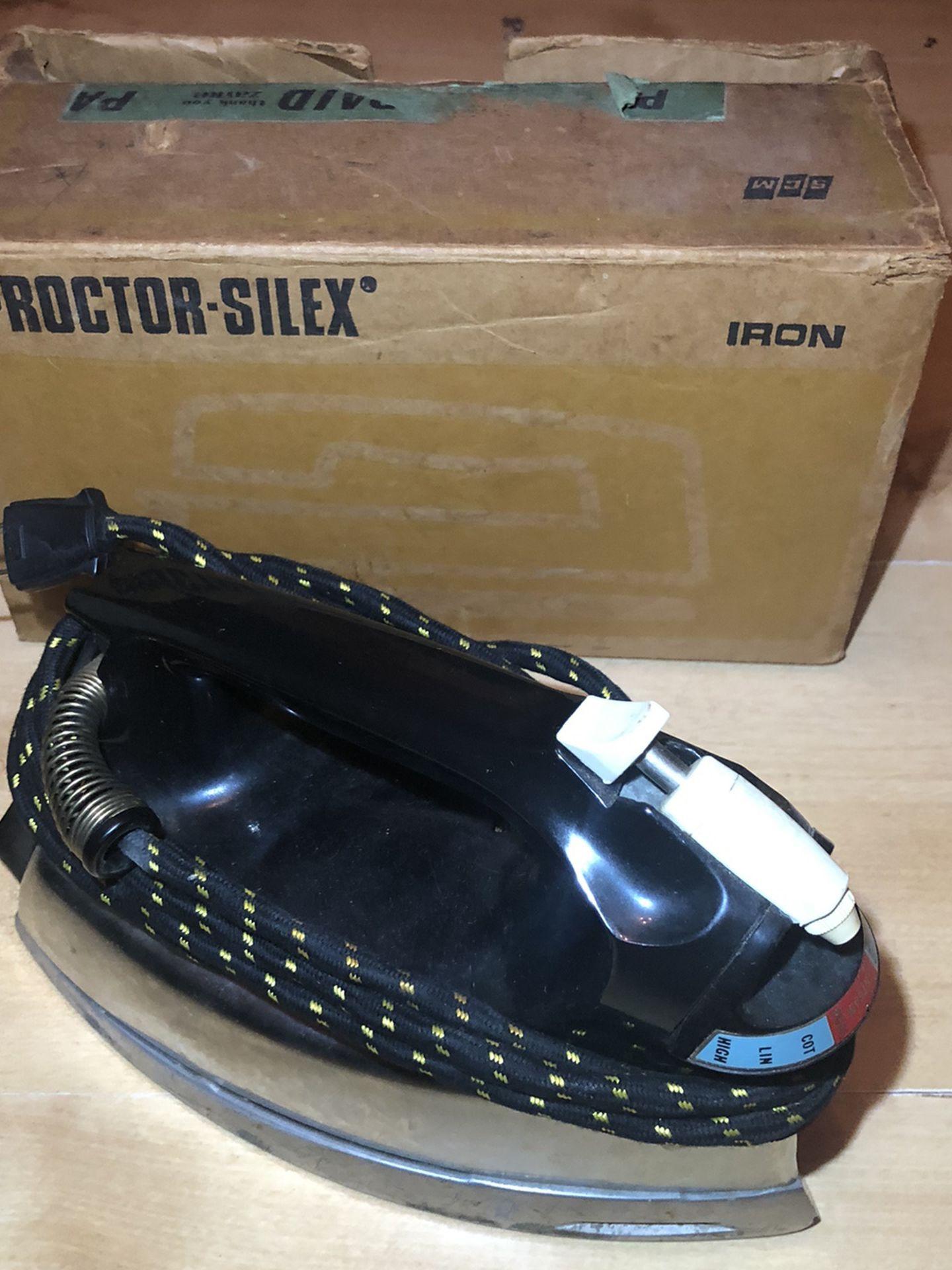 Vintage Proctor-Silex Steam Iron In Box