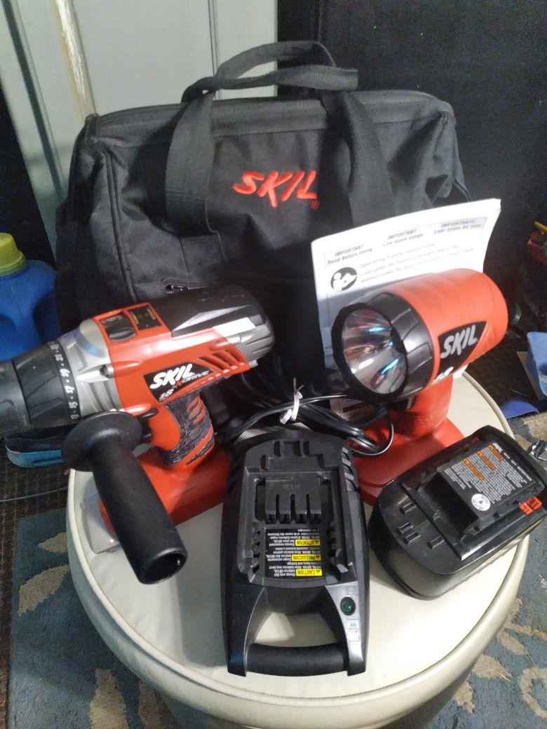 SKIL X DRIVE 18VOLT DRILL & FLASHLIGHT Combo