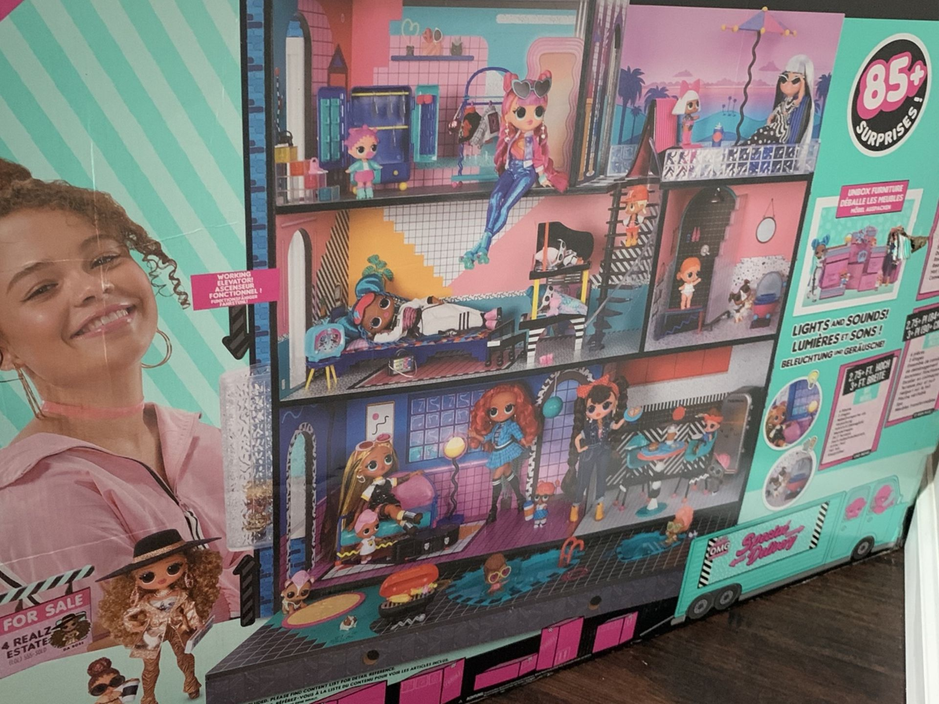 BRAND NEW LOL Surprise Doll House